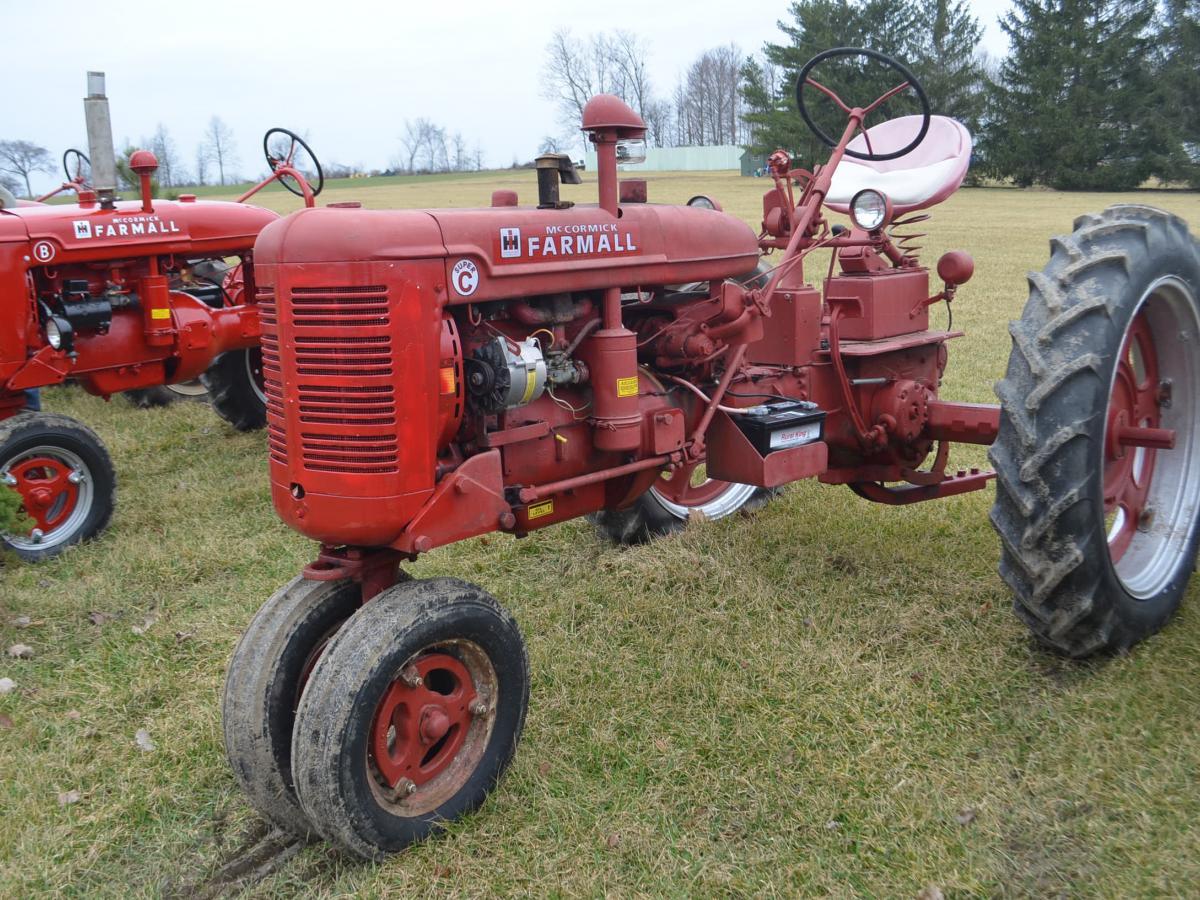 Farmall Tractors, Lawn & Garden Tools, Antiques | Schrader Real